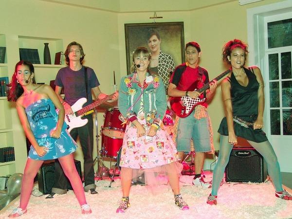 "Novela ""Floribella"" estava no ar pela Band e abril de 2005"