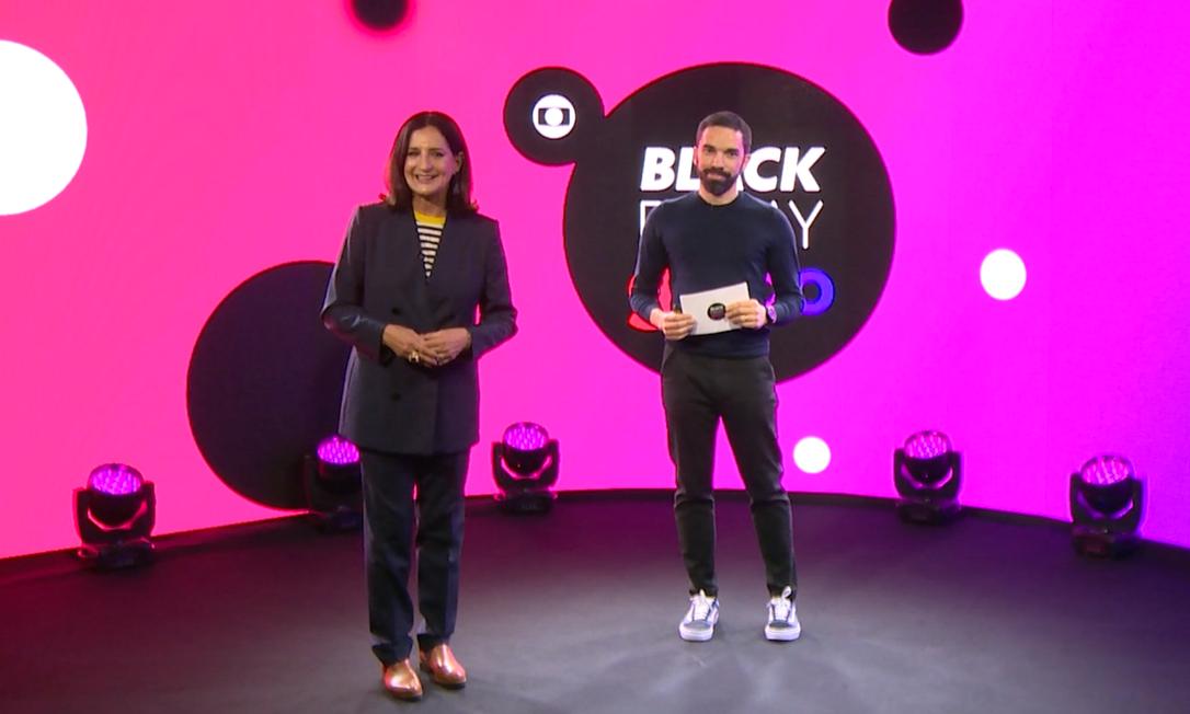 A apresentadora Mônica Waldvogel e Henrique Simões, gerente de Insights de Varejo da Globo, na apresentação da plataforma de conteúdos e planos comerciais para a Black Friday 2021, realizada em junho